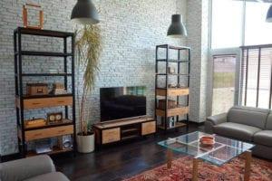 Купить, заказать мебель в стиле ЛОФТ для дома, кафе, бара, ресторана на металлокаркасе из массива дерева